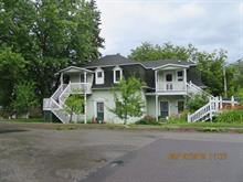 Triplex à vendre à Témiscouata-sur-le-Lac, Bas-Saint-Laurent, 2495 - 2495B, Rue  Commerciale Sud, 18216524 - Centris.ca