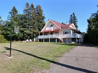 Cottage for sale in Rivière-Ouelle, Bas-Saint-Laurent, 202, Chemin de la Pointe, 20952439 - Centris.ca