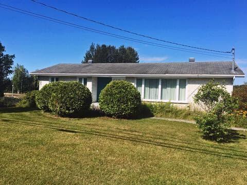House for sale in Lac-Bouchette, Saguenay/Lac-Saint-Jean, 154, Rue  Principale, 10373929 - Centris.ca