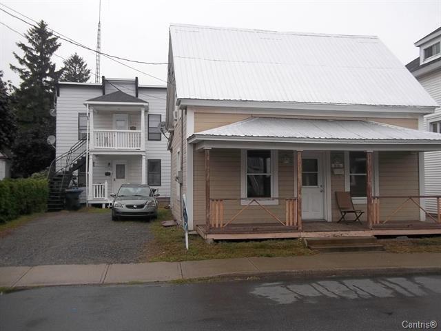 Triplex for sale in Saint-Joseph-de-Sorel, Montérégie, 615 - 619, Rue  Montcalm, 19474474 - Centris.ca
