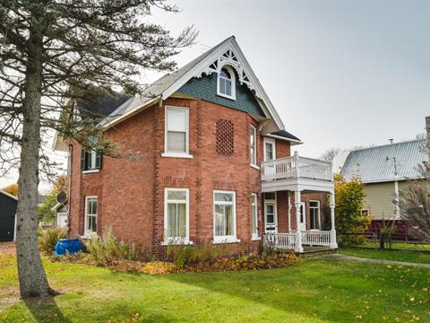 Maison à vendre à Shawville, Outaouais, 234, Rue  Main, 19037564 - Centris.ca