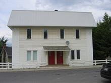 Triplex à vendre à Témiscouata-sur-le-Lac, Bas-Saint-Laurent, 2431 - 2431A, Rue  Commerciale Sud, 26042283 - Centris.ca