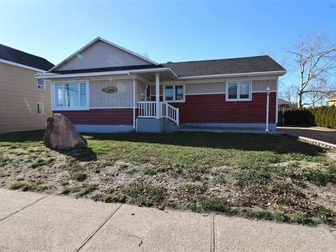 House for sale in Sept-Îles, Côte-Nord, 409, Avenue  Évangéline, 17863706 - Centris.ca