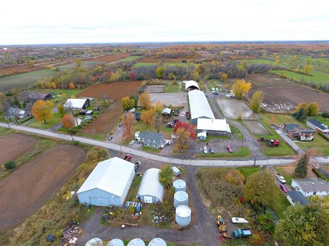 Terre à vendre à Laval (Duvernay), Laval, Rang du Bas-Saint-François, 20908376 - Centris.ca