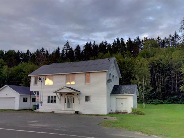 Duplex for sale in Cascapédia/Saint-Jules, Gaspésie/Îles-de-la-Madeleine, 335, Route  299, 22507918 - Centris.ca