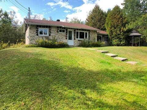Cottage for sale in Saint-Jean-de-Matha, Lanaudière, 352, Chemin de la Pointe-du-Lac-Noir, 21501572 - Centris.ca