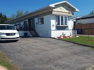 Maison mobile à vendre à Port-Cartier, Côte-Nord, 38, Rue  Simard, 14989220 - Centris.ca