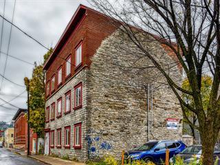 Triplex à vendre à Québec (La Cité-Limoilou), Capitale-Nationale, 340, Rue  Monseigneur-Gauvreau, 16507553 - Centris.ca