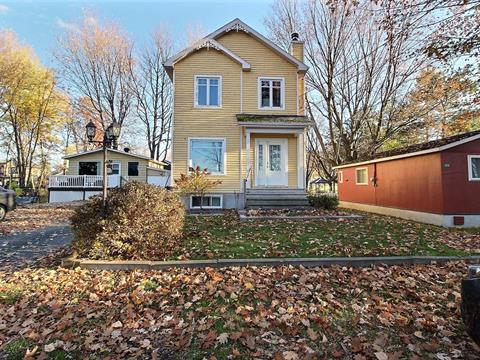Chalet à vendre à Nicolet, Centre-du-Québec, 3539A - 3540, Rue  Proulx, 12436325 - Centris.ca