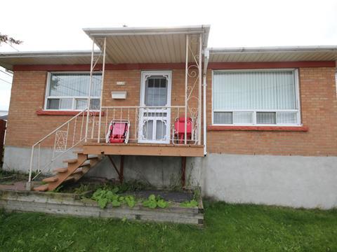 Maison à vendre à Saguenay (Jonquière), Saguenay/Lac-Saint-Jean, 3689, Rue de l'Église, 12491380 - Centris.ca