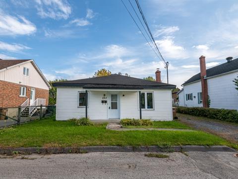 Maison à vendre à Salaberry-de-Valleyfield, Montérégie, 237, Rue  Académie, 14270833 - Centris.ca
