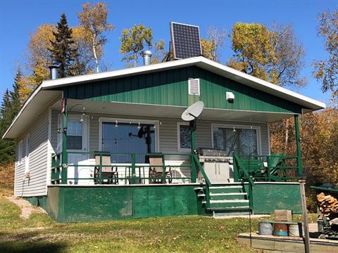 Cottage for sale in La Tuque, Mauricie, 11, Chemin du Lac-à-la-Ligne, 22626677 - Centris.ca