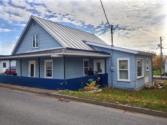 Maison à vendre à Portneuf, Capitale-Nationale, 590, Rue  Saint-Charles, 17998935 - Centris.ca