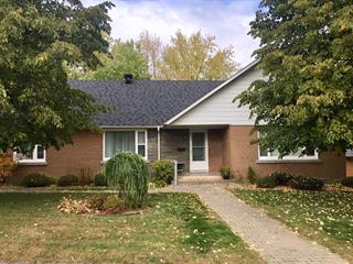 Maison à vendre à Asbestos, Estrie, 11, Rue  Boucher, 12629757 - Centris.ca