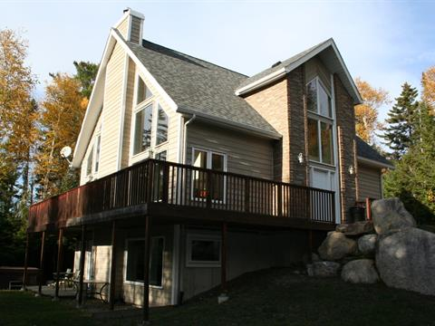 Cottage for sale in Saint-Donat (Lanaudière), Lanaudière, 102, Chemin du Domaine-Boisé, 13982099 - Centris.ca