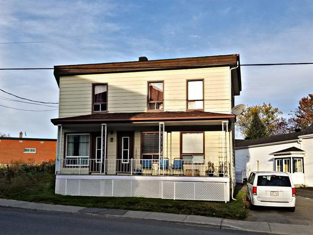 Triplex for sale in Disraeli - Ville, Chaudière-Appalaches, 542 - 546, Avenue  Champlain, 18551312 - Centris.ca