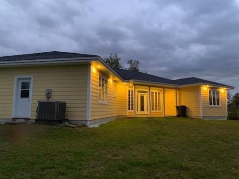 House for sale in Pointe-à-la-Croix, Gaspésie/Îles-de-la-Madeleine, 140, Chemin de la Baie-au-Chêne, 26670308 - Centris.ca