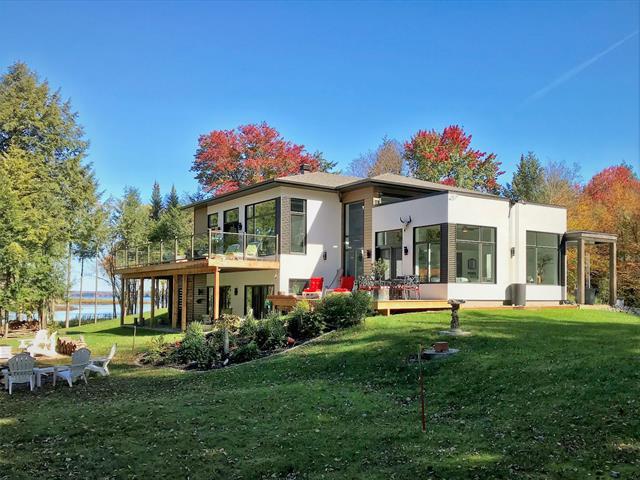 Maison à louer à Sainte-Catherine-de-Hatley, Estrie, 215, Rue de la Cerisaie, 21060139 - Centris.ca