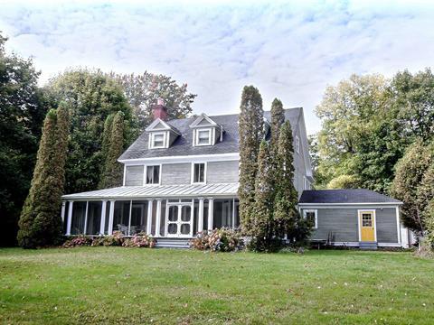 Maison à vendre à Saint-Paul-de-l'Île-aux-Noix, Montérégie, 342, Rue  Principale, 27641745 - Centris.ca