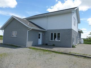 Ferme à vendre à Saint-Bruno-de-Guigues, Abitibi-Témiscamingue, 1011, Route  101 Nord, 20237670 - Centris.ca