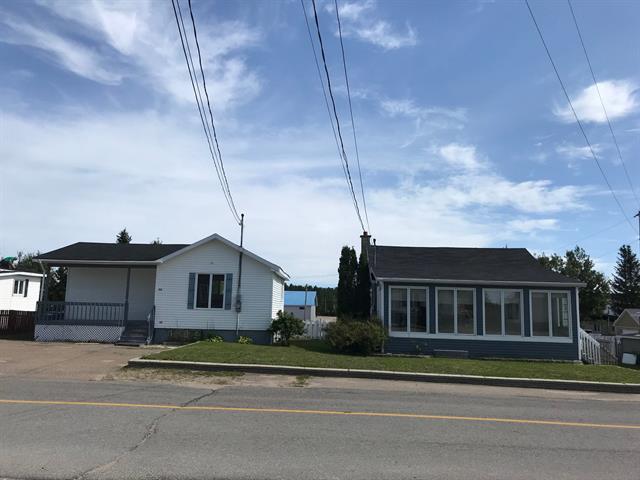 Maison à vendre à Forestville, Côte-Nord, 11 - 13, Rue  Blouin, 9065125 - Centris.ca