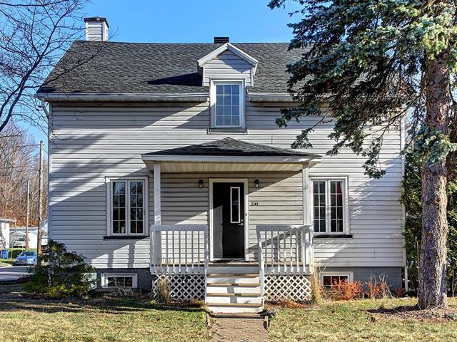 Maison à vendre à Beaupré, Capitale-Nationale, 241, Rue  Saint-Louis, 14142830 - Centris.ca