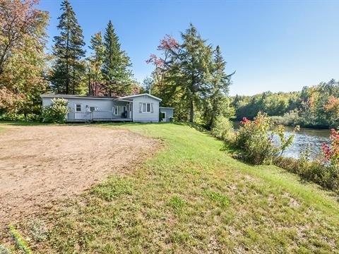 Cottage for sale in Sainte-Catherine-de-la-Jacques-Cartier, Capitale-Nationale, 47, Route de Duchesnay, 17134824 - Centris.ca