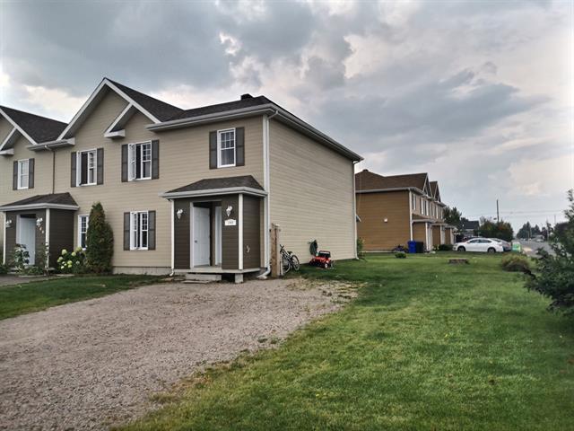Maison à vendre à Saint-Bruno, Saguenay/Lac-Saint-Jean, 144, Rue  Lajoie, 14230309 - Centris.ca