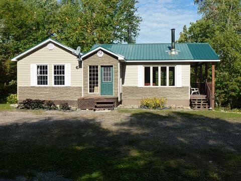 Chalet à vendre à Hébertville, Saguenay/Lac-Saint-Jean, 273, Rang du Lac-Vert, 21152002 - Centris.ca