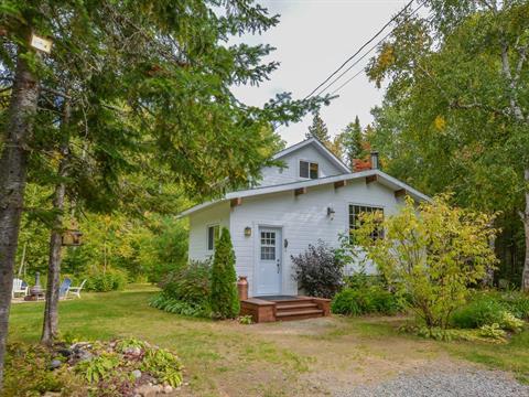 Cottage for sale in Saint-Donat (Lanaudière), Lanaudière, 327, Chemin  Ouareau Nord, 21213880 - Centris.ca