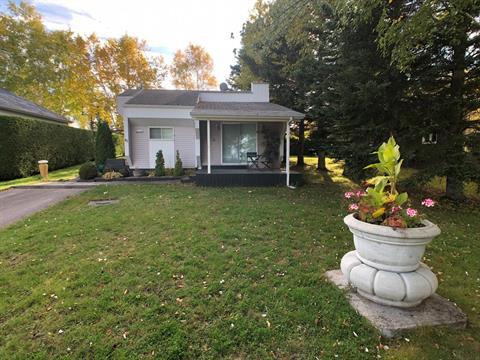Cottage for sale in Mashteuiatsh, Saguenay/Lac-Saint-Jean, 41, Rue  Philippe-Philippe, 24733489 - Centris.ca