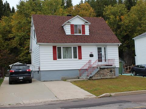 House for sale in Baie-Comeau, Côte-Nord, 126, Avenue  Laval, 17313408 - Centris.ca