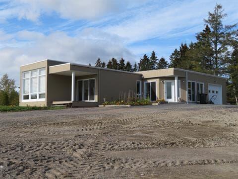 House for sale in Alma, Saguenay/Lac-Saint-Jean, 2615, Rue  Melançon Ouest, 15004080 - Centris.ca