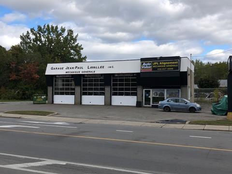 Bâtisse commerciale à vendre à Laval (Laval-Ouest), Laval, 6905, boulevard  Arthur-Sauvé, 9030997 - Centris.ca