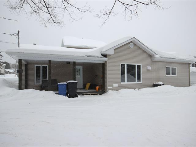 House for sale in Saint-Boniface, Mauricie, 160, Rue  Saint-Prosper, 21057954 - Centris.ca