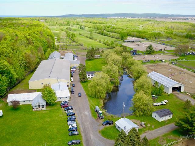 Ferme à vendre à Sainte-Justine-de-Newton, Montérégie, 2376, 3e Rang, 26714386 - Centris.ca