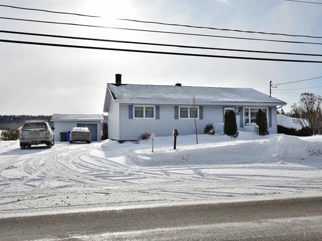 Maison à vendre à Rivière-du-Loup, Bas-Saint-Laurent, 249, Rue  Beaubien, 19180322 - Centris.ca