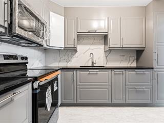 Condo / Appartement à louer à Côte-Saint-Luc, Montréal (Île), 5785, Avenue  Sir-Walter-Scott, app. 302, 16861613 - Centris.ca