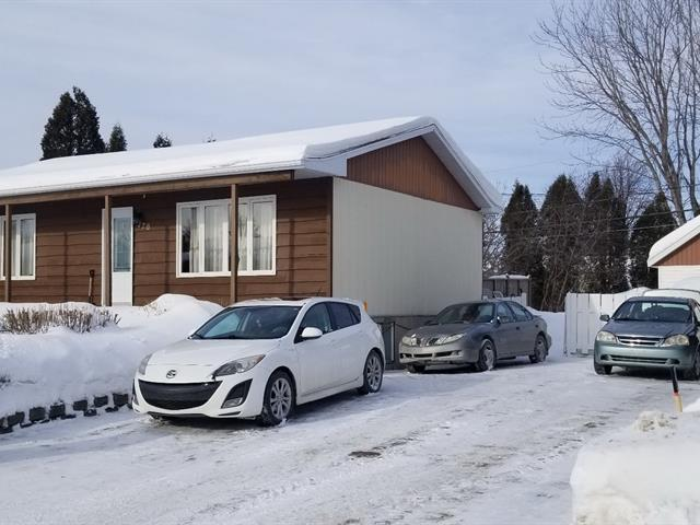 House for sale in Alma, Saguenay/Lac-Saint-Jean, 120, Rue du Jade, 9687576 - Centris.ca