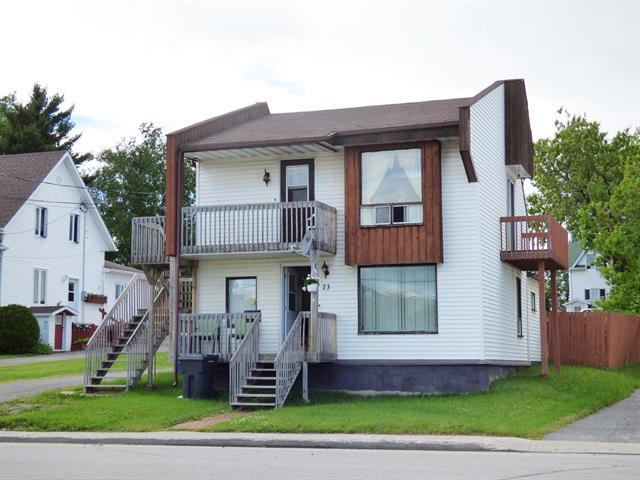 Duplex à vendre à Roberval, Saguenay/Lac-Saint-Jean, 71 - 73, Avenue  Auger, 28005860 - Centris.ca