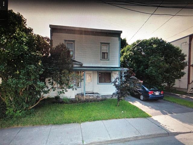 House for sale in Saint-Jean-sur-Richelieu, Montérégie, 401, Rue  Laurier, 12615931 - Centris.ca