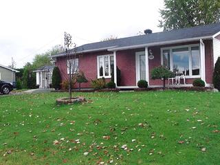Maison à vendre à Saguenay (Chicoutimi), Saguenay/Lac-Saint-Jean, 232, Rue  René-Bergeron, 26504532 - Centris.ca