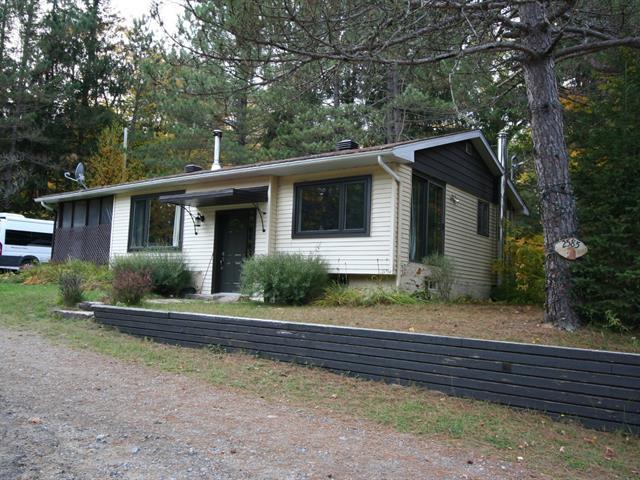 Cottage for sale in Saint-Donat (Lanaudière), Lanaudière, 2585, Route  125 Nord, 15489232 - Centris.ca