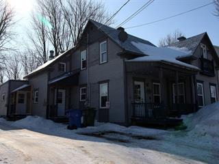 Triplex à vendre à Baie-du-Febvre, Centre-du-Québec, 340 - 340B, Rue  Principale, 27231637 - Centris.ca