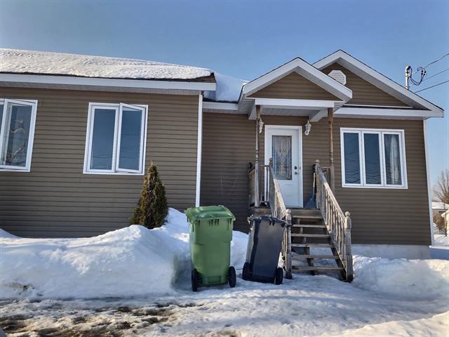 Maison à vendre à Portneuf, Capitale-Nationale, 1061B, Rue  Saint-Charles, 21214385 - Centris.ca