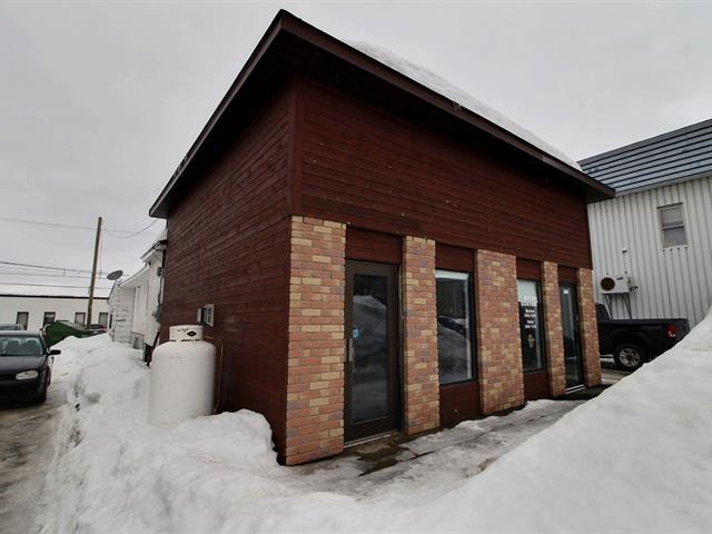 Triplex à vendre à Val-d'Or, Abitibi-Témiscamingue, 376 - 380, 3e Avenue, 26443383 - Centris.ca