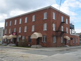 Immeuble à revenus à vendre à Sherbrooke (Brompton/Rock Forest/Saint-Élie/Deauville), Estrie, 2 - 6, Rue  Saint-Joseph, 23487154 - Centris.ca