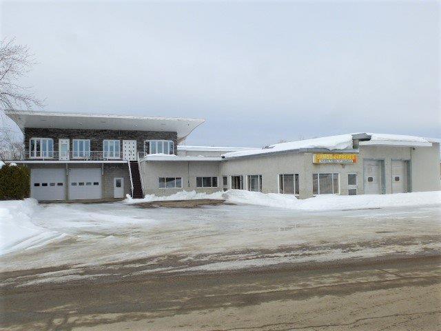 House for sale in Charette, Mauricie, 151, Rue de la Station, 27679077 - Centris.ca