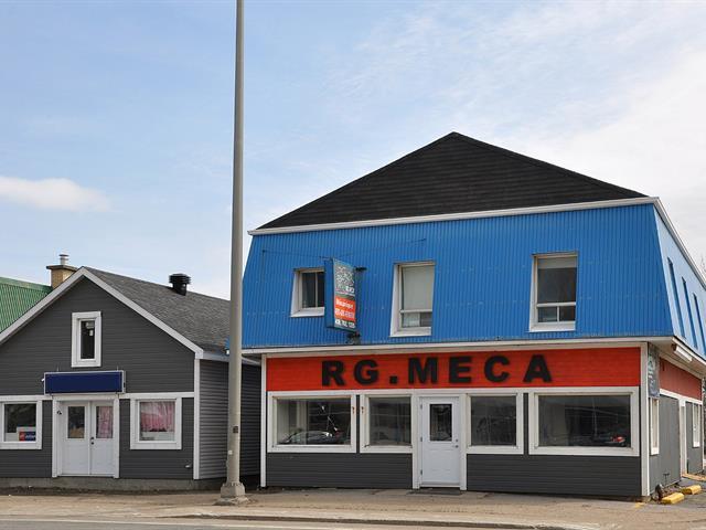 Triplex à vendre à Sainte-Anne-de-Beaupré, Capitale-Nationale, 9630 - 9634, boulevard  Sainte-Anne, 15215636 - Centris.ca