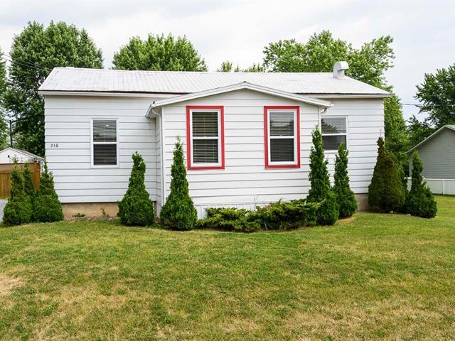 House for sale in Henryville, Montérégie, 248, Rue  Saint-Georges, 15512793 - Centris.ca